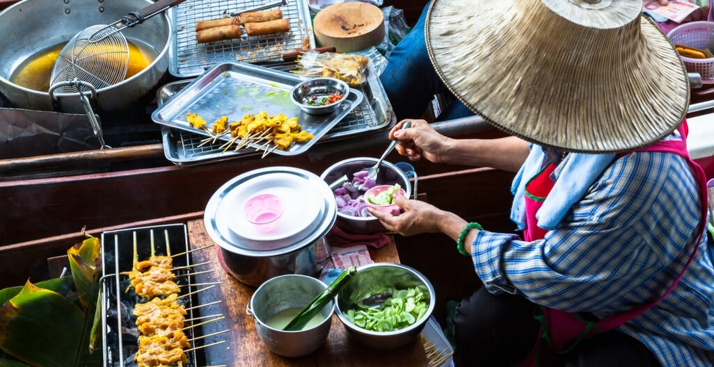 Eat Like A Local:ChinaTown Street Food Experience