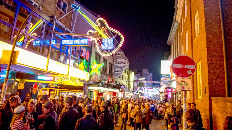 Explore The Nightlife In St.Pauli