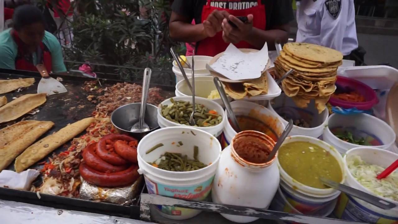Eat Like a Local: Street Food Experience