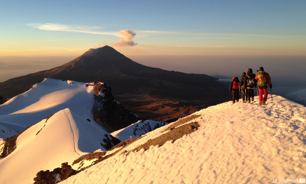 Volcano Hiking Tour-From Mexico City